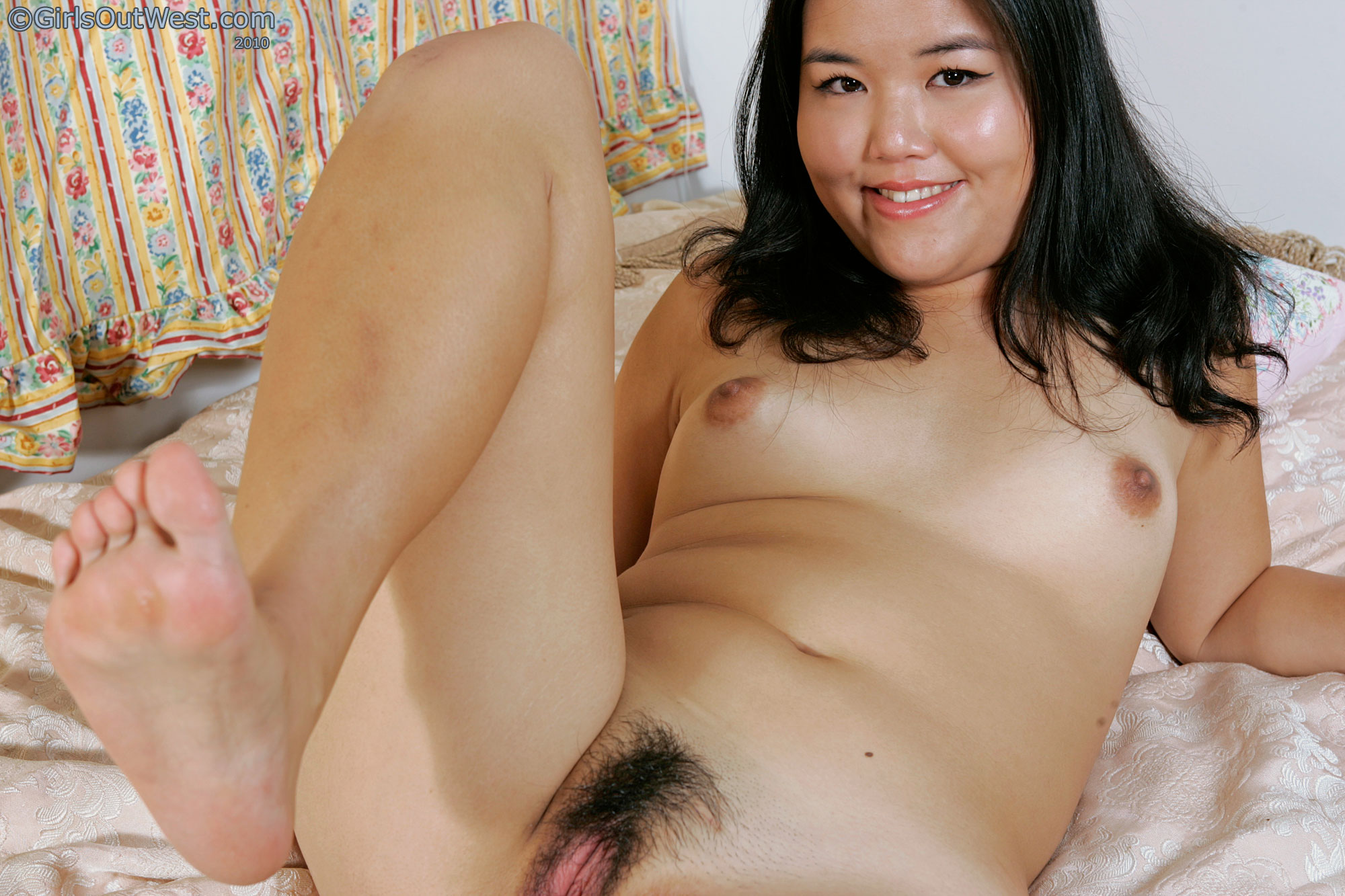 Naked Hairy Chubby Girls